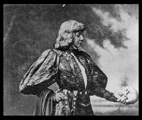 To talk or not to talk? © Library of Congress - Sarah-Bernhardt (Hamlet)