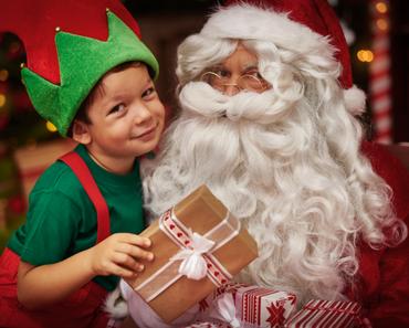 Le Père Noël à la recherche de nouveaux lutins